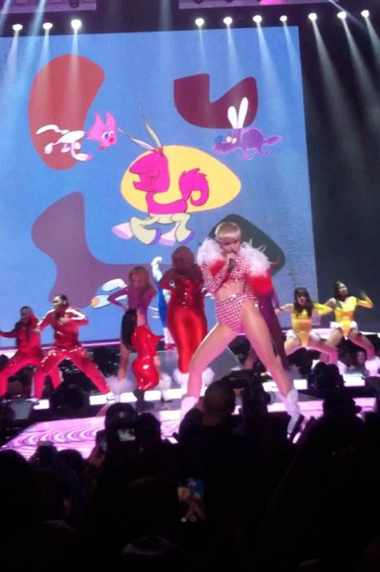 MileyLiveatStaples-575x1024